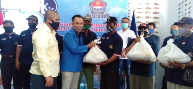 Nelayan HNSI Kota Tegal Dapat 600 Paket Sembako