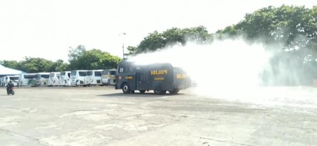 Tim Gabungan Serentak Semprot Disinfektan di Wilayah Kota Tegal