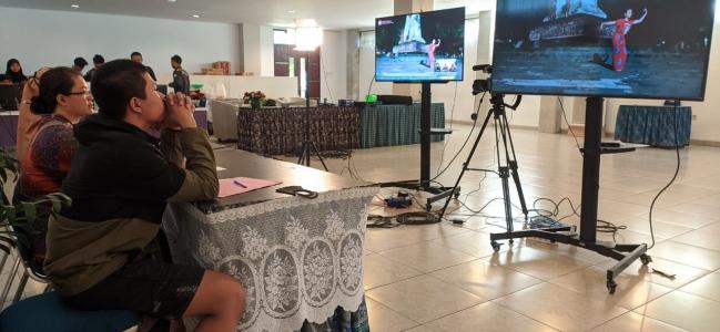 Pelajar Antusias Ikuti Lomba Tari Secara Virtual