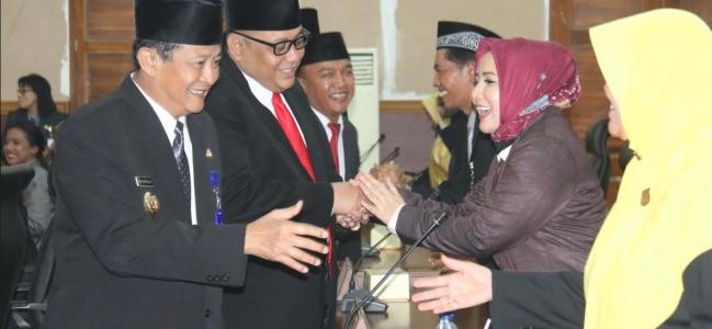 Dedi-Jumadi Hadiri Rapat Paripurna Istimewa Usulan Pengesahan Pengangkatan Walikota dan Wakil Walikota Tegal Terpilih.