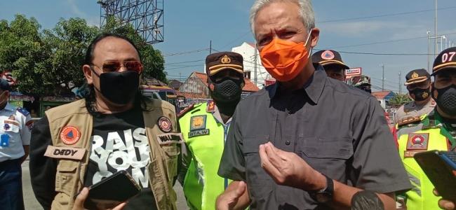 Ganjar Pranowo Meminta Seluruh Bupati/ Wali Kota Siaga Mengantisipasi Kebocoran Pemudik