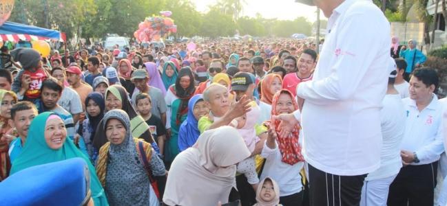 Ribuan Peserta Ikuti Jalan Sehat Pemkot