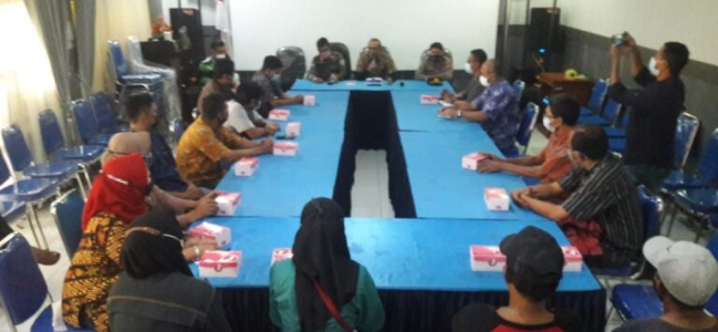 Pedagang Kaki Lima (PKL) Jl. Ahmad Yani Sepakat Relokasi